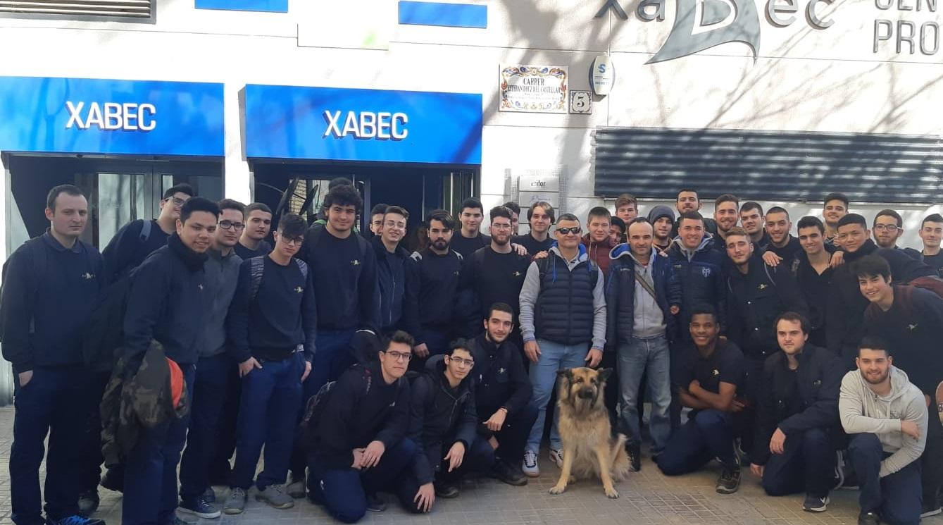 Los alumnos de Xabec conocen de cerca historias de superación personal gracias a la Fundación del Levante UD