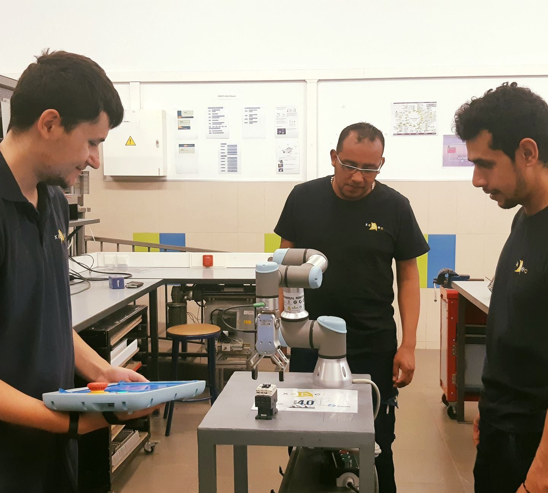 Éxito de participación en el curso de Robótica Colaborativa en Xabec
