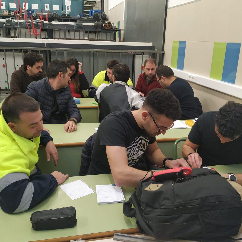 Xabec llena sus aulas y talleres con sus alumnos de semipresencial
